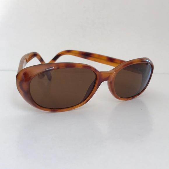57b0c0f4db Vintage brown Nine West sunglasses. Nine West. M 5ab95bfc45b30cd0d077caa1.  M 5ab95fe68290af19aca378a7. M 5ab9601ea6e3ea0ec1388f48